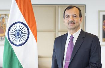 Az ELTE BTK kari ünnepe alkalmából részesült elismerésben az Indiai Köztársaság nagykövete