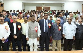 AZ EFL Egyetem meghívására tanszékünk hindí tanára köszöntötte a konferencia hallgatóit.