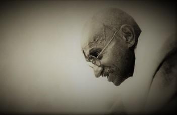 Egész napos szimpózium Mahátmá Gándhí születésének 150. évfordulóján az ELTE BTK Kari Tanácstermében